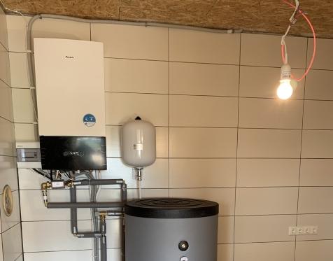 Daikin Altherma 3 su 300l pastatoma vandens talpa