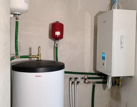 Panasonic Aquarea 9kW vidinis blokas su 300l vandens talpa